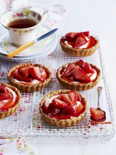 Goat cheese and strawberry tartlets