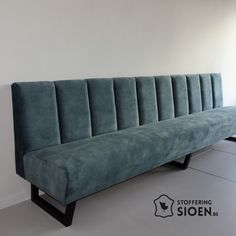 Dining Room Banquette, Banquette Seating, Kitchen Booths, Kitchen Seating, Home Decor Furniture, Furniture Design, Restaurant Seating, Booth Seating, Banquettes