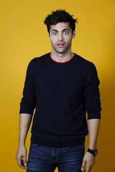 He is like: wtf is happening here Matthew Daddario Shadowhunters, Shadowhunters Malec, Daniel Sharman, Alec Lightwood, Shadow Hunters, Cassandra Clare, The Mortal Instruments, Favorite Person, Gorgeous Men