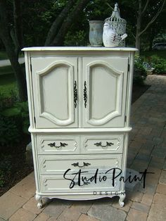Painted Vintage Wardrobe Dresser Armoire, Painted Furniture, Bedroom Furniture, Annie Sloan Chalk Paint, DIY, Painting Ideas, French Provincial Armoire #paintedarmoire #paintedfurniture #frenchprovincial #bedroomarmoire #anniesloan #chalkpaint #DIY #paintingideas #armoire #wardrobe