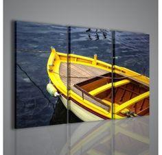 Altra foto della collezione del fotografo Raffaele De Conciliis: questa volta si tratta di una barca ormeggiata nel porto di Agropoli, dove il bordo giallo è messo molto in risalto.