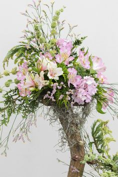 Flower arrangement at the wedding ceremony