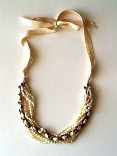 Baúl de tesoros: Collar de perlas, lazo y cadena