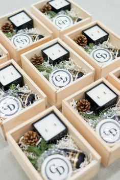 Custom wedding planner client gifts for the holidays, designed by Marigold & Grey. Bday Gifts For Him, Surprise Gifts For Him, Thoughtful Gifts For Him, Romantic Gifts For Him, Personalised Gifts For Him, Holiday Gifts, Christmas Gifts, Gift Box Design, Curated Gift Boxes