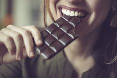 I've heard that eating chocolate can improve memory. This sounds too good to be true. Can you tell me if there is any real evidence for this and how much chocolate you would have to eat to benefit memory? Fitness Pal, Slim Down Fast, How To Slim Down, Chocolate Lovers, Chocolate Chips, Dark Chocolate Benefits, Green Coffee Bean Extract, Health And Wellness, App