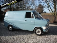 In the early the Ford Transit was dubbed Britain's most wanted van as its size made it the ideal vehicle for bank raids. Vintage Vans, Vintage Trucks, Classic Motors, Classic Cars, Vanz, Old Commercials, Ford Transit, Ford Motor Company, Commercial Vehicle
