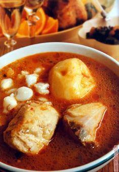 Fricasé de pollo Spicy Recipes, New Recipes, Dinner Recipes, Healthy Recipes, Bolivia Food, Coconut Soup, Salty Snacks, Healthy Life, Curry