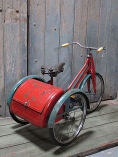 A vintage child's tricycle - LASSCO - England's Prime Resource for Architectural Antiques, Salvage and Curiosities Velo Retro, Velo Vintage, Vintage Bicycles, Old Bicycle, Old Bikes, Baby Bicycle, Bicycle Shop, Bicycle Art, Dirt Bikes