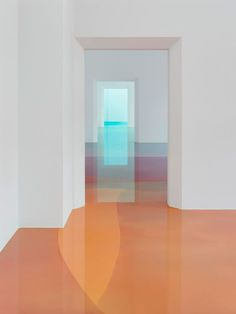 Artist Peter Zimmermanncovers over 1,400 square feet of flooring with abstract patterns using layers of brightly-coloured resin. The installation is part of his first large solo exhibition at the Museum für Neue Kunst in his hometown of Freiburg, Germany. See … Continue reading →