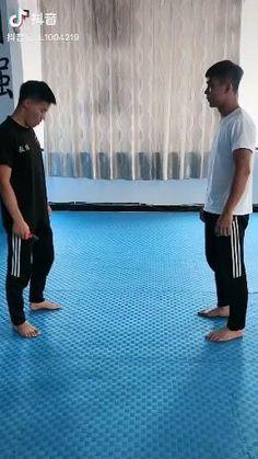 Fight Techniques, Martial Arts Techniques, Self Defense Techniques, Self Defense Moves, Self Defense Martial Arts, Karate, Martial Arts Workout, Martial Arts Training, Martial Arts Styles