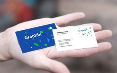 Dribbble kullanıcısı GraphicsFuel (Rafi) tarafından oluşturulmuş Business Card In Hand Mockup tasarım dosyasını aşağıda yer alan bağlantıdan ücretsiz indir.