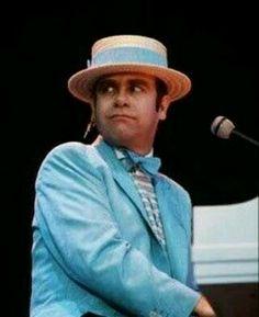 elton john´s pics: elton john years part 1 Elton John Sunglasses, Elton Jon, Elton John Costume, Peach Costume, Captain Fantastic, Evolution Of Fashion, Piano Man, Taron Egerton, John Legend
