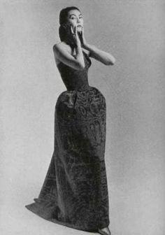 Alla in Christian Dior, 1952 Vintage Dior, Christian Dior Vintage, Mode Vintage, Vintage Glamour, Vintage Dresses, Vintage Outfits, Guy Laroche, 1950s Fashion, Vintage Fashion