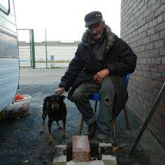 Welle der Hilfsbereitschaft für Obdachlosen und seinen #Hund