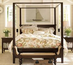 I want one of these fancy little chaises at the edge of the bed! you can sit down & put your shoes on & stuff. :)