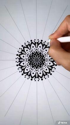 Mandala Art Lesson, Mandala Artwork, Mandala Drawing, Digital Painting Tutorials, Digital Art Tutorial, Art Tutorials, Zantangle Art, Digital Art Beginner, Mandala Meditation