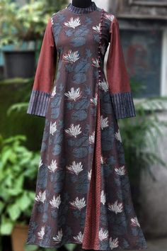 a stunning mughal-styled high collar dress in bagru print & fabric potli buttons! main fabric: handblock printed fabric from natural dyes from bagru, Batik Fashion, Abaya Fashion, Muslim Fashion, Fashion Dresses, High Collar Dress, Winter Dresses, Dress Winter, Pakistani Dresses Casual, Dress Neck Designs