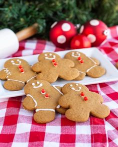 These gingerbread man cookies aren't just for decorating, they are addictively delicious! The perfect gingerbread man to decorate and eat! Best Christmas Cookie Recipe, Holiday Cookies, Christmas Baking, Christmas Recipes, Christmas Goodies, Holiday Treats, Christmas Treats, Holiday Recipes, Christmas Cakes