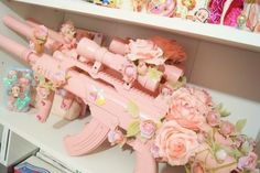 Find images and videos about pink, aesthetic and flowers on We Heart It - the app to get lost in what you love. Pastel Punk, Pastel Goth Fashion, Knife Aesthetic, Aesthetic Grunge, Pink Guns, Tout Rose, Pretty Knives, Armas Ninja, Kawaii Accessories