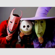 Nightmare Before Christmas masks- we should dress up like this next year for halloween Halloween Town, Halloween 2016, Halloween Cosplay, Halloween Masks, Holidays Halloween, Scary Halloween, Vintage Halloween, Halloween Crafts, Happy Halloween
