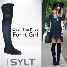 As garotas mais fashion estão arrasando com os modelos de botas OTK. Não deixe de adquirir a sua! Corra na Adoro Presentes e confira! #Botas #OverTheKnee #OTK #Boots #ItGirl #AdoroPresentes #Moda #Sylt #Fashion #Tendência #2015 #winter #trends