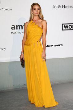 amfar gala 2014 rosie huntington-whiteley in yellow emilio pucci gown
