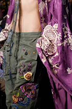 See detail photos for Roberto Cavalli Spring 2017 Ready-to-Wear collection.