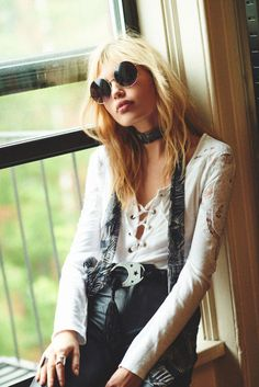 Staz Lindes & Free People Show You How To Pull Off '70s Style