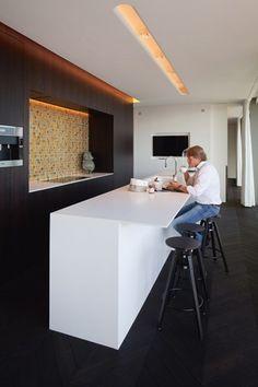 Ook projectontwikkelaar en zaakvoerder van ABS Bouwteam Anton Gonnissen koos voor de keuken in zijn doorzonappartement op de bovenste verdie...