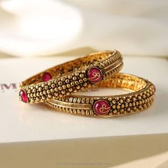 Gold Bangles with Pink Stones from Manubhai ~ South India Jewels Antique Jewellery Designs, Indian Jewellery Design, Indian Jewelry, Antique Jewelry, Gold Jewelry, Jewelry Design, Indian Bangles, Gold Bangles Design, Antique Necklace
