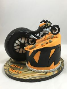 Motorrad Fondant Bike Cake Projects to try out . KTM Motorrad Fondant Bike Cake Projects to try out .,KTM Motorrad Fondant Bike Cake Projects to try out ., happy birthday to me. Motocross Cake, Motorcycle Birthday Cakes, Motorbike Cake, Bobber Motorcycle, Creative Birthday Cakes, Birthday Cakes For Men, Creative Cakes, 9th Birthday, Happy Birthday