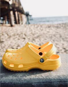 <3 yellow crocs Women's Crocs, Crocs Shoes, Cute Shoes, Me Too Shoes, Yellow Crocs, Crocs Classic, Mellow Yellow, Strap Heels, Shoe Game
