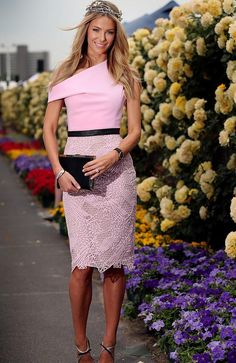 Jennifer Hawkins at Crown Oaks Day at Flemington. Dresses For The Races, Day Dresses, Nice Dresses, Wedding Dresses, Race Day Fashion, Races Fashion, Fashion 2014, Race Day Outfits, Derby Outfits
