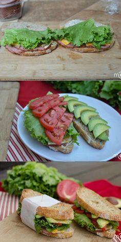 Fresh garlicky sandwich, leaded with freshness! bomb!!! (US)