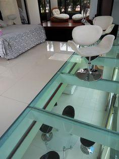 World of Architecture: Top 17 Glass Floor Ideas For Ultra Modern Homes Modern Interior, Interior Architecture, Interior Design, Ecole Design, Flooring For Stairs, Flooring Ideas, Ultra Modern Homes, Deco Originale, Glass Floor
