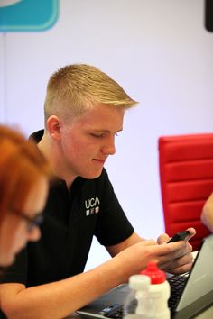 student visa Tier 4 to enter England to study; my name's tanou  moiseUCAS Connect blogger Chris discovers his results, live at UCAS HQ #ucas