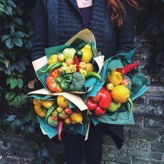 Vegetable bouquet. Fruit bouquet. Вкусный букет . Liyka Vegetable Bouquet, Stuffed Peppers, Vegetables, Flowers, Food, Stuffed Pepper, Essen, Vegetable Recipes, Meals
