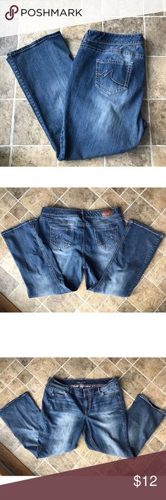 Maurice's Jeans 22 Short Jeans form Maurice's. In good condition. No fraying at bottom. Size 22 short Maurices Jeans
