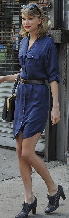 Taylor Swift: Purse – Dolce & Gabbana  Dress – Michael Kors  Shoes – Sam Edelman