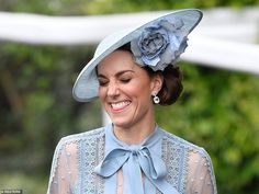 Kate Middleton joins the Queen's carriage procession at Royal Ascot George Et Charlotte, Charlotte Hawkins, Princess Charlotte, Kate Middleton, Royal Ascot, Prince William And Kate, William Kate, Prins William, Windsor