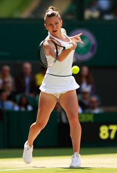 Simona Halep Photos Photos - Day Eight: The Championships - Wimbledon 2016 - Zimbio Lawn Tennis, Sport Tennis, Tennis Live, Golf Knickers, Wimbledon 2016, Foto Sport, Simona Halep, Tennis World, Tennis Players Female