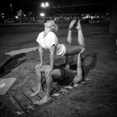 yoga challenge partner easy, yoga couple challenge,partner acro yoga,yoga friend… – Famous Last Words Two People Yoga Poses, Couples Yoga Poses, Acro Yoga Poses, Yoga Poses For Two, Partner Yoga Poses, Easy Yoga Poses, Yoga Poses For Beginners, Vinyasa Yoga, Yoga Bewegungen