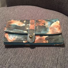 Floral wallet Beautiful springy wallet. Holds alot! Accessories