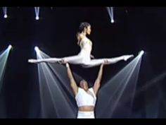 ▶ Guang Dong - Pas de deux - LE PLUS GRAND CABARET DU MONDE - YouTube