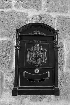 letter box by Theodoros Tsilikis on 500px