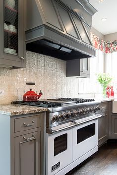 Kitchen Designers Portland Oregon Calacatta Gold Marble Kitchen From Artisan Group Artisan Marble