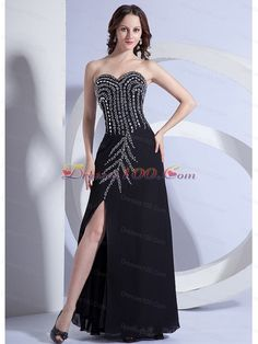 8 Best dramatic Evening Dresses in Meri