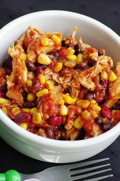 Crock Pot Chicken Taco Chil 1 onion, chopped 1 16-oz can black beans 1 16-oz can kidney beans 1 8-oz can tomato sauce 10 oz pkg corn 2 14oz cans diced tomatoes w/chilies 1 pkg taco seasoning 1tbsp cumin 1tbs chili powder 24 oz. (3) boneless skinless chicken breasts