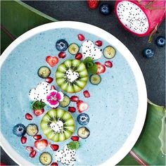 Hi there Blue Coconut Protein Smoothie Bowl. 1 frozen banana scoop Coconut Milk Power Plant Protein 1 small zucchini peeled and chopped Pinch of Spirulina powder Ice cubes Check Out More Smoothies Please! Apparel Store with cool stuff Link in Bio! Protein Smoothies, Fruit Smoothies, Smoothie Recipes, Smoothie Breakfast, Smoothie Bowl, Breakfast Bowls, Clean Eating, Healthy Eating, Bowld Acai