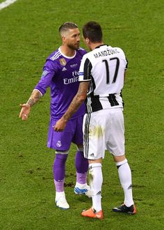 Sergio Ramos of Real Madrid and Mario Mandzukic of Juventus exchange words during the UEFA Champions League Final between Juventus and Real Madrid at National Stadium of Wales on June 3, 2017 in Cardiff, Wales.
